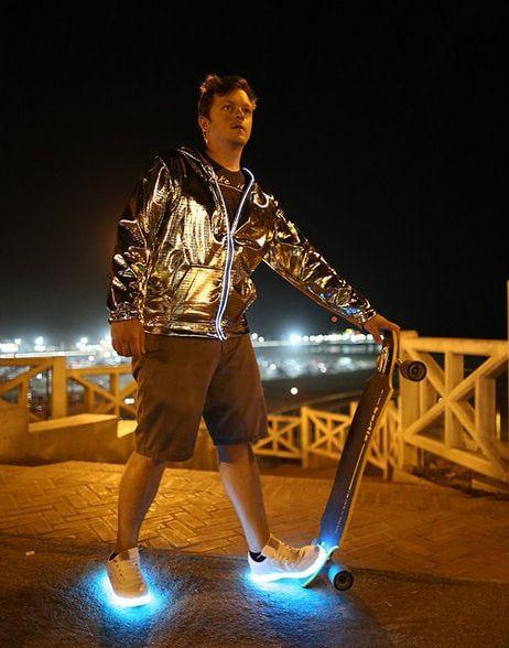 Adidasi cu lumini LED 10