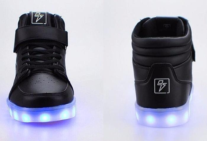 Adidasi cu lumini LED 11